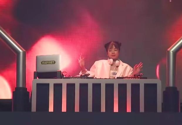 Tổng hợp các khoảnh khắc của DJ Mie: Quẩy nhạc cực cháy cùng thí sinh nhưng vẫn rất đáng yêu! - Ảnh 5.