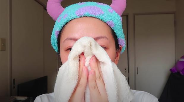 Beauty blogger người Nhật dạy cách trị mụn đầu đen ngay từ bước rửa mặt, nhấn mạnh lột mụn làm da lão hóa cực nhanh - Ảnh 5.