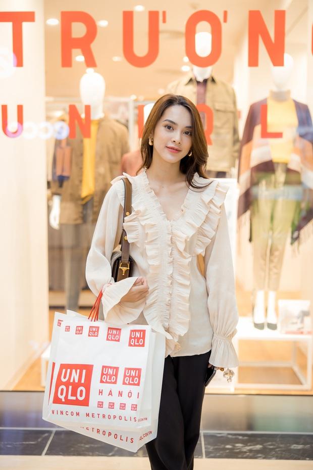Mẫn Tiên công khai đi cùng bạn trai, Miss Au Ngọc Anh và dàn KOL tụ hội tại buổi ra mắt cửa hàng UNIQLO thứ 2 tại Hà Nội - Ảnh 6.