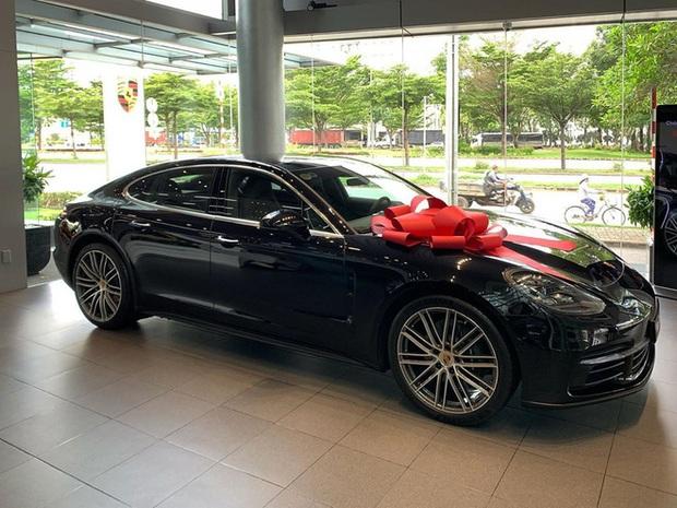 CEO Tống Đông Khuê bất ngờ xoá hết hình ảnh về chiếc xe 5 tỷ sau khi bạn gái lên mạng nói: Xe em tự mua - Ảnh 2.