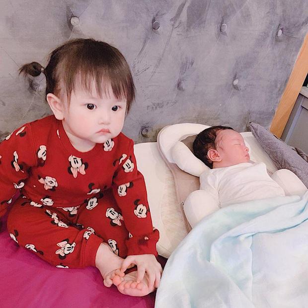 Dàn cháu gái cực phẩm của sao Việt: Lan Ngọc - Ngọc Trinh khoe toàn tiểu mỹ nhân, nhà Trang Nhung có tới 2 thí sinh Hoa hậu - Ảnh 31.