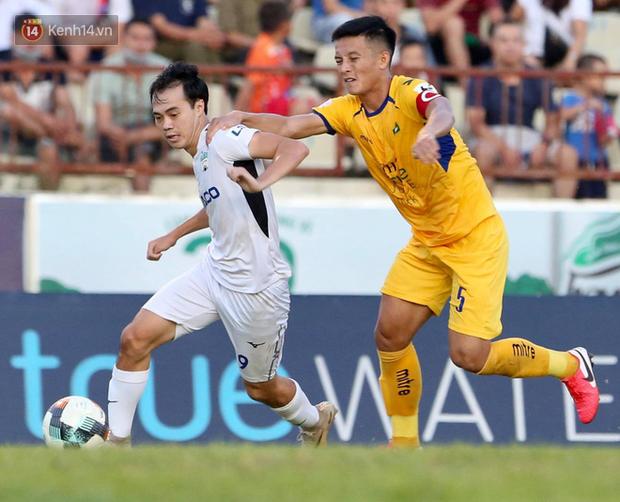HLV Hàn Quốc tiết lộ điểm đáng lo của Xuân Trường trong trận HAGL thua SLNA - Ảnh 2.