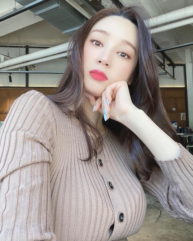 Lee Min Ho cuối cùng đã lộ diện sau tin đồn hẹn hò Hoa hậu Hàn Quốc gia thế khủng, đàng gái có động thái gây chú ý - Ảnh 7.