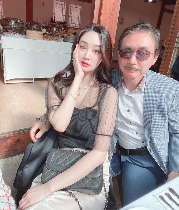 Lee Min Ho cuối cùng đã lộ diện sau tin đồn hẹn hò Hoa hậu Hàn Quốc gia thế khủng, đàng gái có động thái gây chú ý - Ảnh 8.