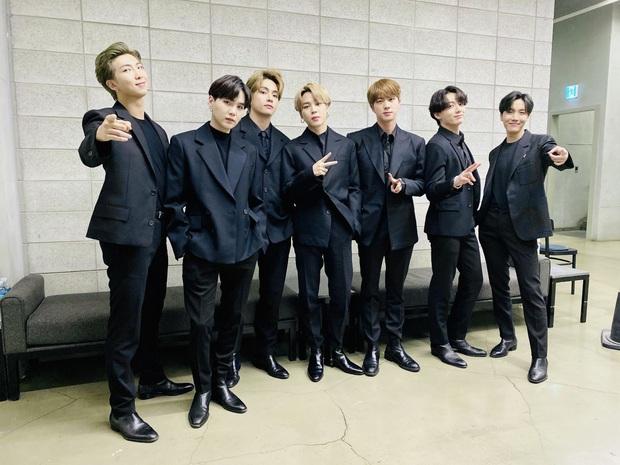 Bất ngờ Top 30 ca sĩ hot nhất xứ Hàn: BLACKPINK mất ngôi vương vì cái tên bất ngờ, BTS ra sao sau 1 tháng gây bão? - Ảnh 2.