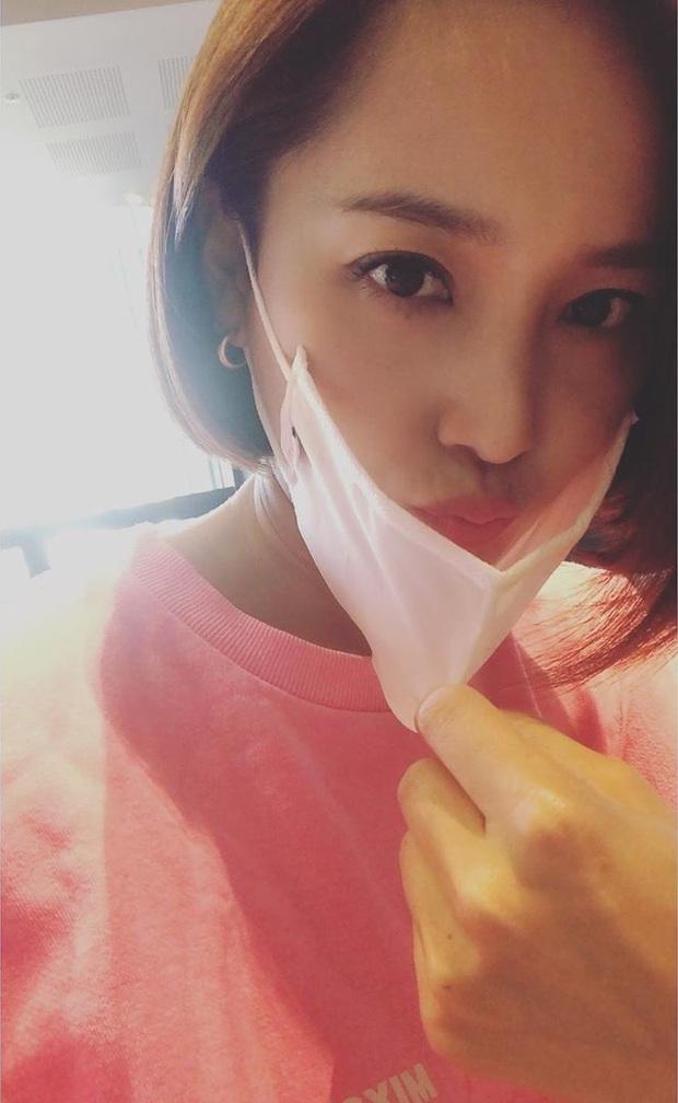 Nữ thần đẹp nhất Kpop thế hệ 1 Eugene lên top Naver: Gây bão nhờ màn khoe sắc hack tuổi, chiếc mũi chiếm trọn spotlight - Ảnh 4.