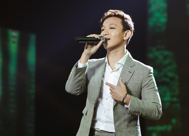 Noo Phước Thịnh hoá thân thành vị Vua, Cara tỏ tình trai lạ, Gil Lê vừa soái vừa deep trong đêm nhạc tháng 9 - Ảnh 9.