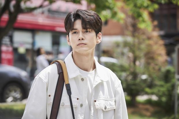 Phim mới của Ong Seong Woo mở bát oanh tạc TOP 1 tại Hàn, tổ hợp đẹp trai-ga lăng-ấm áp có làm chị em rung rinh? - Ảnh 10.