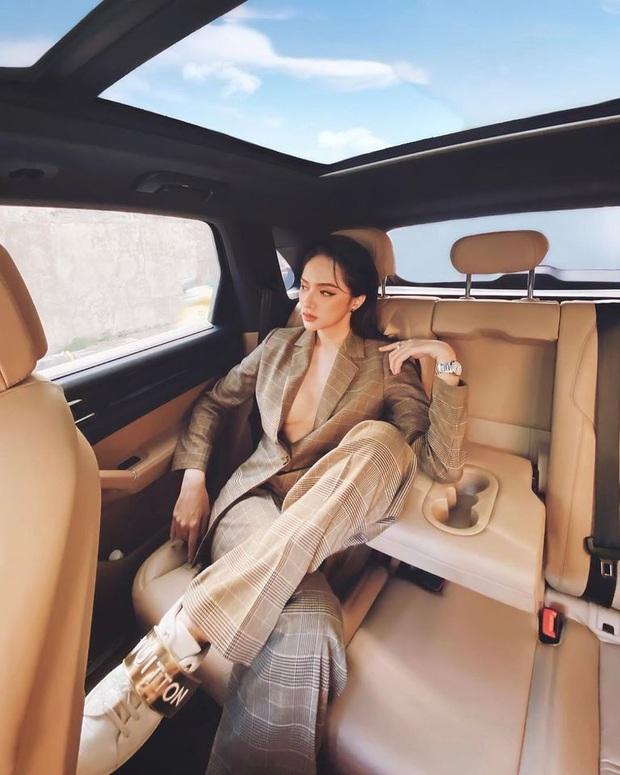CEO Hương Giang khoe ảnh chanh sả trong ô tô bạc tỷ, thả rông khoe vòng 1 căng đầy và tạo dáng bá đạo mới chịu! - Ảnh 3.