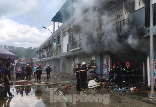 Lạng Sơn: Cháy ki- ốt trung tâm thương mại Đồng Đăng  - Ảnh 2.