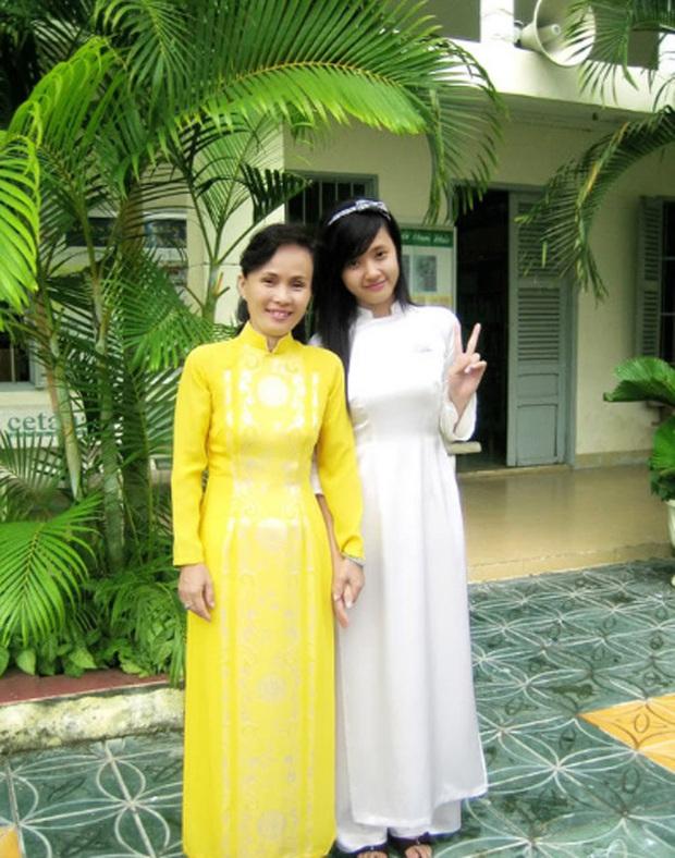 Sao Việt thời đi học: Người điệu sớm, người xinh không cần son phấn, người chân phương ngỡ ngàng - Ảnh 3.