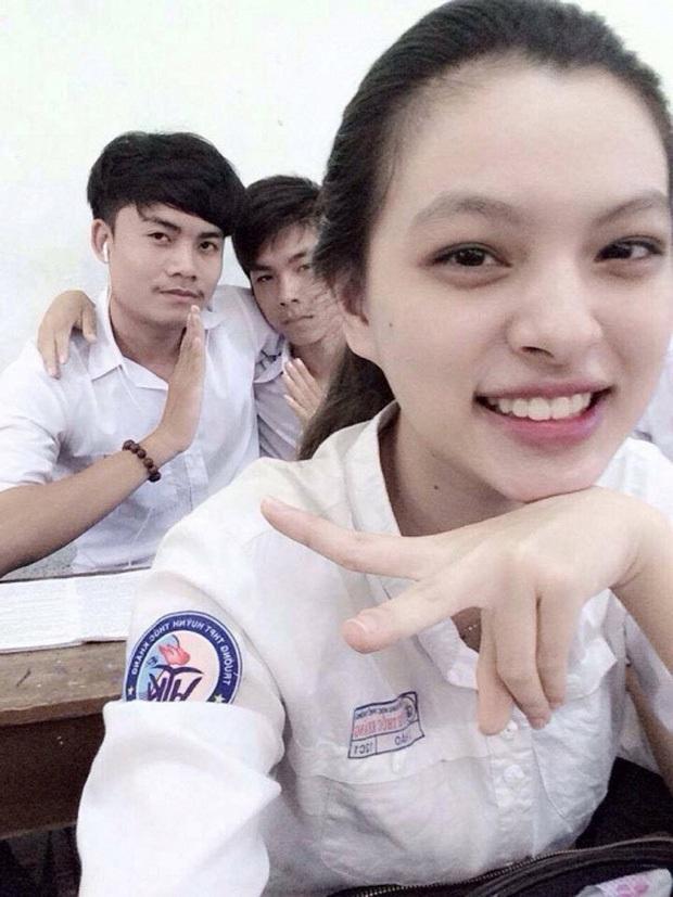Sao Việt thời đi học: Người điệu sớm, người xinh không cần son phấn, người chân phương ngỡ ngàng - Ảnh 10.