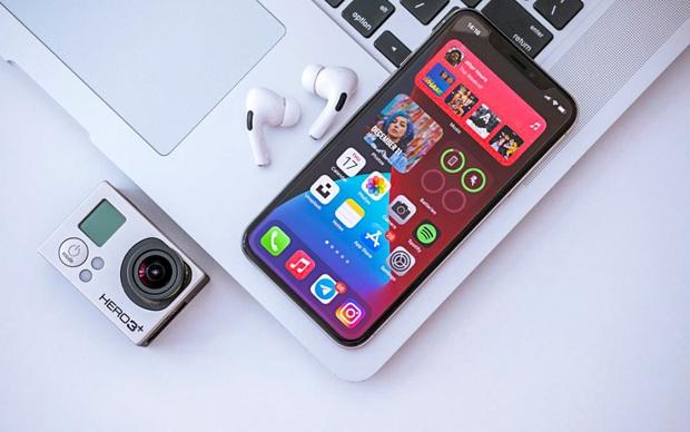 Nâng cấp iOS 14 có làm iPhone cũ chậm đi? - Kết quả thật sự bất ngờ! - Ảnh 1.