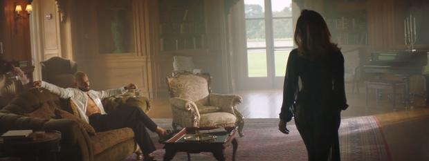 J.Lo khoe body nóng bỏng ở tuổi 51 trong thiết kế của nhà mốt Công Trí - Ảnh 3.