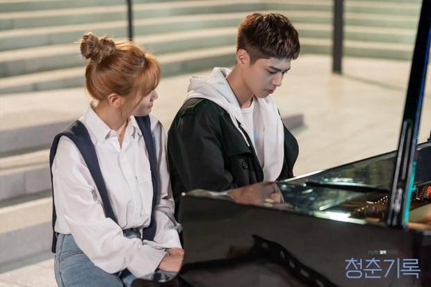 Record of Youth ngày một thiếu trước hụt sau, phung phí tài năng cả đôi Park Bo Gum lẫn Park So Dam! - Ảnh 10.