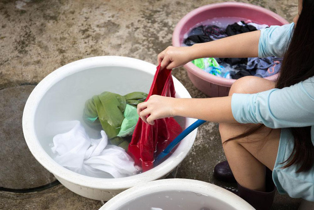 """Con gái khi vệ sinh đồ lót cần chú ý """"3 không"""" để phòng tránh các nguy cơ gây viêm nhiễm phụ khoa - Ảnh 2."""