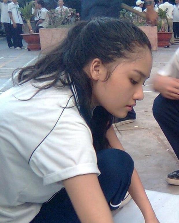 Sao Việt thời đi học: Người điệu sớm, người xinh không cần son phấn, người chân phương ngỡ ngàng - Ảnh 1.