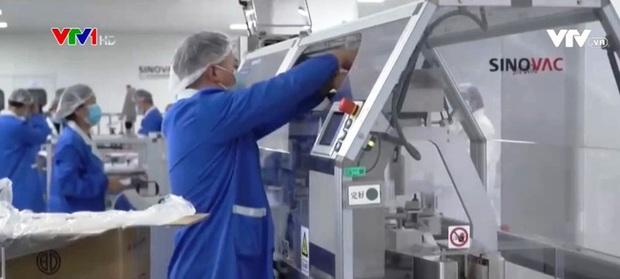 Trung Quốc sẽ sản xuất 1 tỉ liều vaccine ngừa COVID-19 vào năm 2021 - Ảnh 1.
