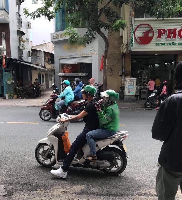 Bắt gặp Wowy đổi chỗ chở nữ tài xế trên đường đi làm, Băng Di hé lộ lý do khiến dân tình dậy sóng vì nể phục - Ảnh 2.