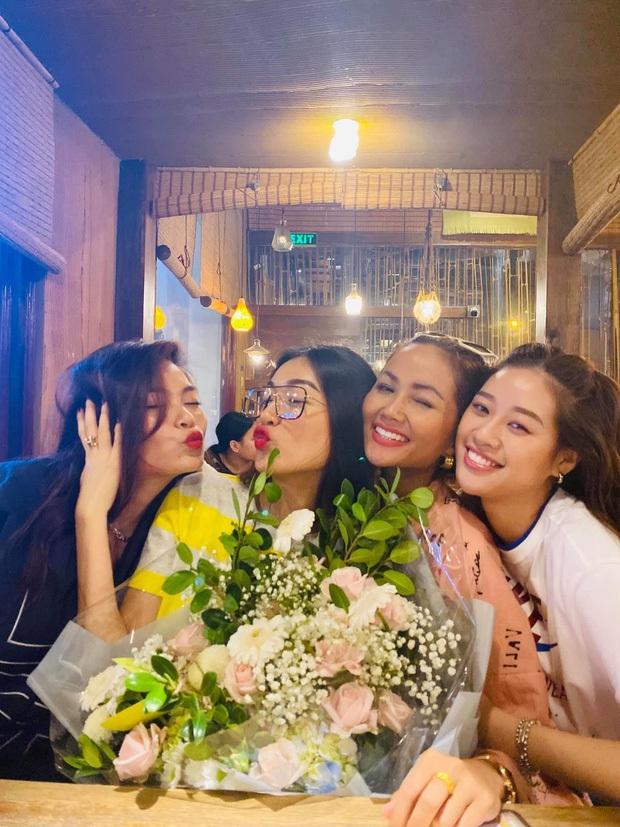 Hội bạn thân nàng hậu diện trang phục dân tộc đọ sắc, mặt mộc 100% của HHen Niê và Khánh Vân giật trọn spotlight - Ảnh 8.