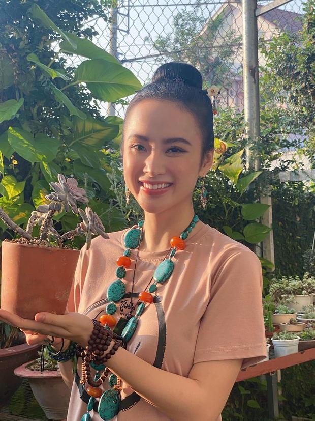 MXH dậy sóng với ảnh mới của Angela Phương Trinh: Ăn vận sexy khoe vòng 1 hờ hững, góc nghiêng khiến dân tình xuýt xoa - Ảnh 5.