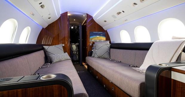 Căn studio được cải trang thành cabin máy bay riêng, dành cho người ít tiền nhưng muốn sang chảnh trên MXH - Ảnh 7.