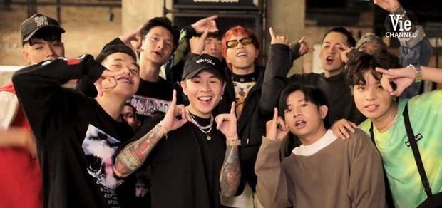 Hiếm khi Rap Việt tung trailer ít có miếng giả trân, dân mạng dự đoán luôn kịch bản vòng đối đầu team Binz - Ảnh 1.