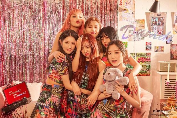 Bất ngờ Top 30 ca sĩ hot nhất xứ Hàn: BLACKPINK mất ngôi vương vì cái tên bất ngờ, BTS ra sao sau 1 tháng gây bão? - Ảnh 10.