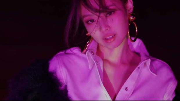 So nhan sắc BLACKPINK trong 32 giây teaser: Hoa hậu Hàn Jisoo vụt sáng, Jennie - Lisa ma mị, Rosé như bị phân biệt đối xử - Ảnh 13.