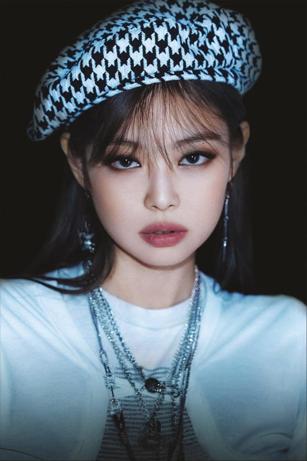 BLACKPINK cứ comeback là YG chọc chửi fan: Jisoo, Lisa và Rosé hết thiếu ảnh lại bị quên tên, còn mình Jennie là chưa lên thớt? - Ảnh 8.