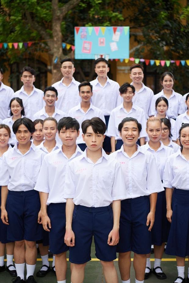 Đức Phúc trở lại bùng nổ với MV 100% học đường, Suboi chỉ góp giọng nhưng có cả dàn sao Táo Quân lẫn Hoà Minzy - Erik là quá đủ! - Ảnh 2.