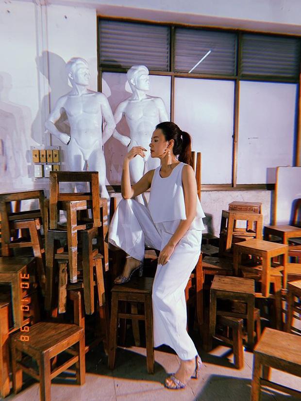 Thời trang giảng viên của Midu: Giản dị như nàng công sở, không dát hàng hiệu như mọi khi - Ảnh 12.