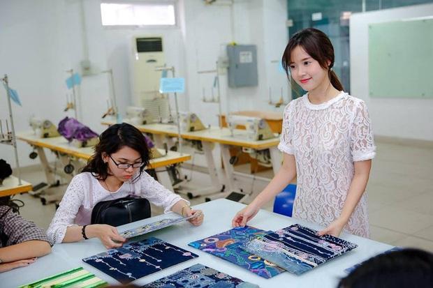 Thời trang giảng viên của Midu: Giản dị như nàng công sở, không dát hàng hiệu như mọi khi - Ảnh 7.