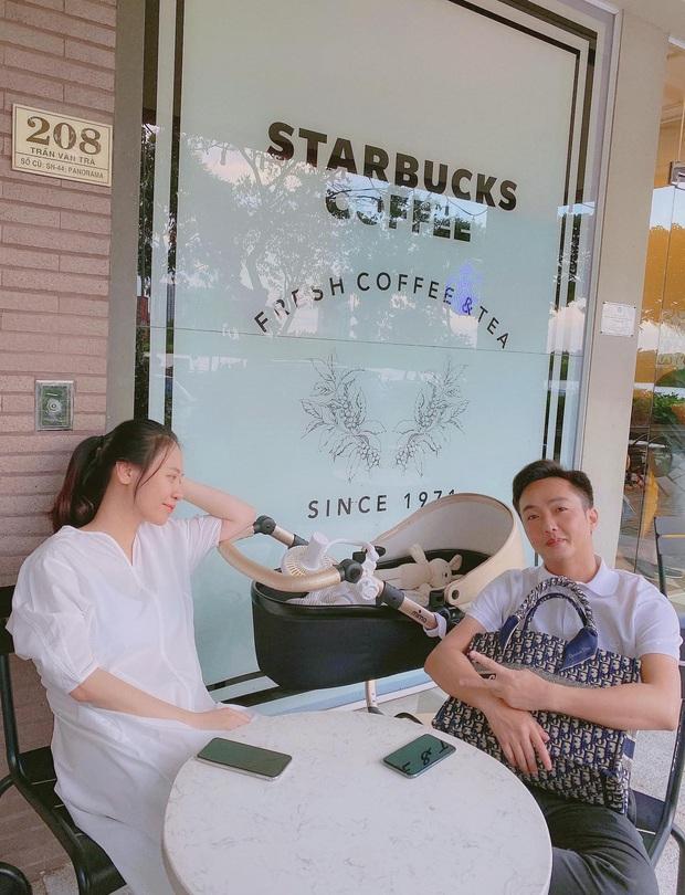 Cường Đô La hạnh phúc khoe khoảnh khắc Đàm Thu Trang chăm con gái, để lộ mặt mộc của mẹ bỉm qua camera thường - Ảnh 5.