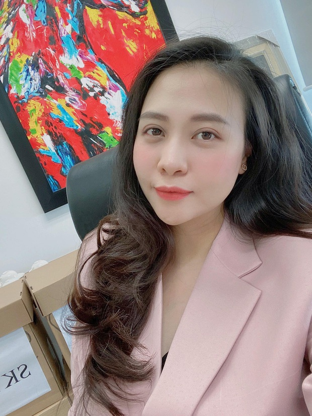 Cường Đô La hạnh phúc khoe khoảnh khắc Đàm Thu Trang chăm con gái, để lộ mặt mộc của mẹ bỉm qua camera thường - Ảnh 4.