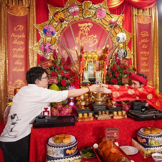 Dàn sao Vbiz dâng hương cúng Tổ nghiệp: Hoà Minzy và Diệu Nhi tươi tắn ở đền thờ tổ 100 tỷ, Chi Pu - Hương Giang đầy nổi bật - Ảnh 15.