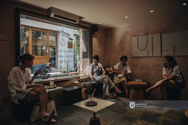 Thêm một quán cafe cực xinh tại Hà Nội, chưa kịp khai trương đã thấy xếp hàng dài chụp ảnh - Ảnh 7.