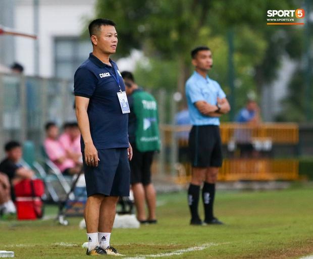 Cậu bé vàng Văn Quyến: Một đời cầu thủ dở dang đến HLV chạm tay hoá cúp ở các giải trẻ Việt Nam - Ảnh 6.