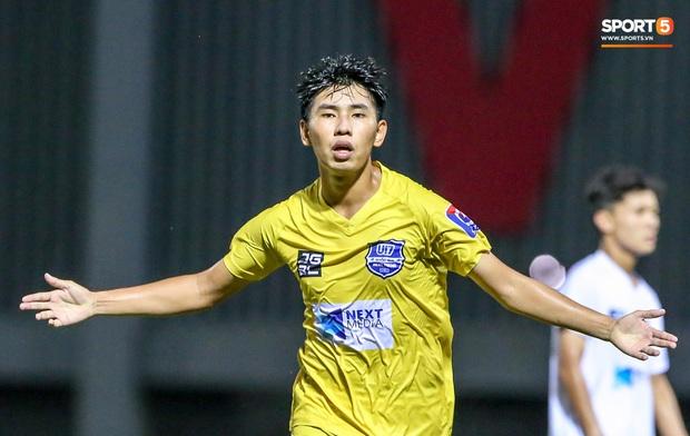 Cậu bé vàng Văn Quyến: Một đời cầu thủ dở dang đến HLV chạm tay hoá cúp ở các giải trẻ Việt Nam - Ảnh 7.