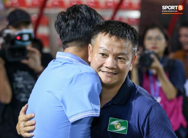 Cậu bé vàng Văn Quyến: Một đời cầu thủ dở dang đến HLV chạm tay hoá cúp ở các giải trẻ Việt Nam - Ảnh 9.