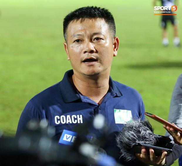 Cậu bé vàng Văn Quyến: Một đời cầu thủ dở dang đến HLV chạm tay hoá cúp ở các giải trẻ Việt Nam - Ảnh 11.