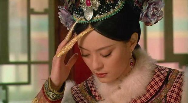 Ẩn ý phía sau chiếc móng giả bằng vàng của dàn Hậu cung triều Thanh: Đâu chỉ đơn thuần là món trang sức đắt giá - Ảnh 6.