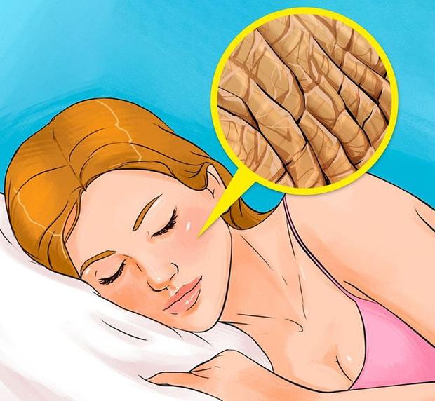 Quên tẩy trang trước khi đi ngủ: có 7 vấn đề sẽ xảy đến với sức khỏe lẫn nhan sắc của bạn - Ảnh 3.