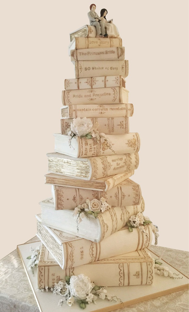 """Mạng xã hội """"bùng nổ"""" trước những chiếc bánh cưới độc lạ nhất hành tinh, bất ngờ hơn cả là phiên bản hoành tráng của nữ hoàng Elizabeth II - Ảnh 21."""