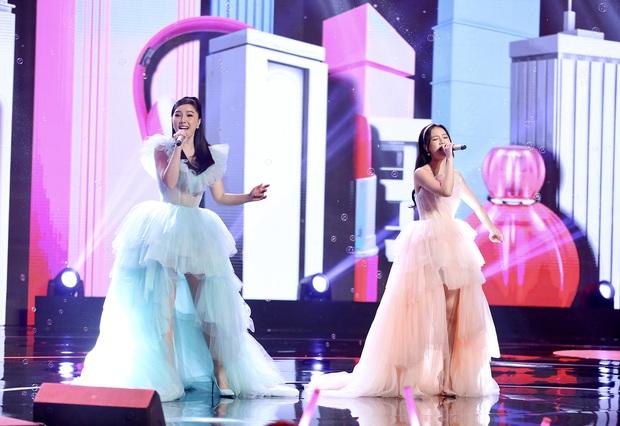 Bảo Thy kết hợp cùng AMEE: Cuộc chuyển giao vương miện của 2 công chúa Vpop trên sân khấu - Ảnh 2.
