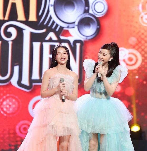 Bảo Thy kết hợp cùng AMEE: Cuộc chuyển giao vương miện của 2 công chúa Vpop trên sân khấu - Ảnh 4.
