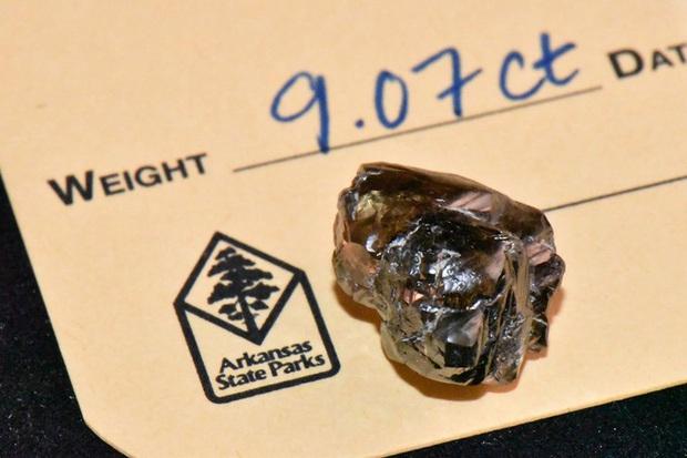 Ghé thăm công viên kỳ lạ ở Mỹ, hầu như ngày nào du khách cũng nhặt được kim cương! - Ảnh 1.