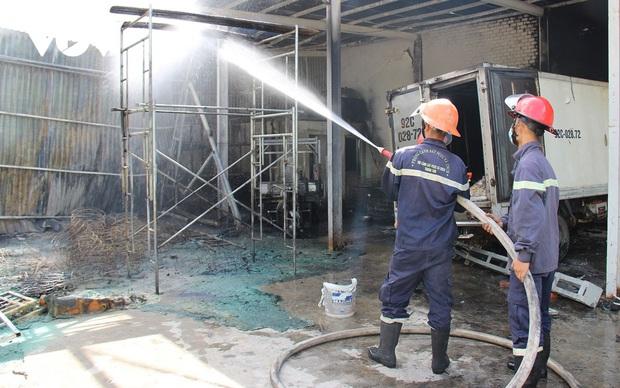Cháy lớn cơ sởthu mua thủy sản ởQuảng Nam - Ảnh 1.