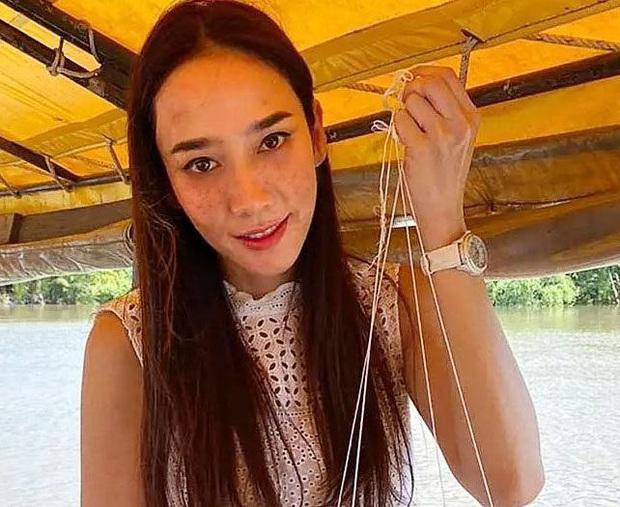 Nữ hoàng xứ Thái Aum Patcharapa: Hớp hồn Mario Maurer, gây sốc với 2 lần kéo quân đánh ghen và cái kết bên CEO gia thế khủng - Ảnh 9.