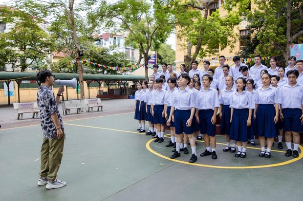 Đức Phúc miệt mài tập nhảy bao lâu cuối cùng cũng trổ tài trong MV, kĩ tính đến mức Quang Đăng khó chịu vì bị chỉnh sửa vũ đạo - Ảnh 10.